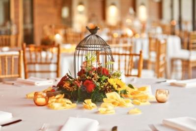 En centre de table avec fleurs
