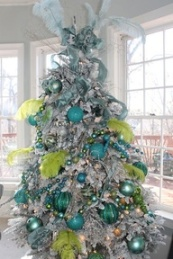 4. :www.houzz.com:ideabooks:5167051:list:15-Spectacular-Christmas-Palettes-Beyond-Red-and-Green