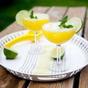 YELLOW WATERMELON MARGARITA FRESCA